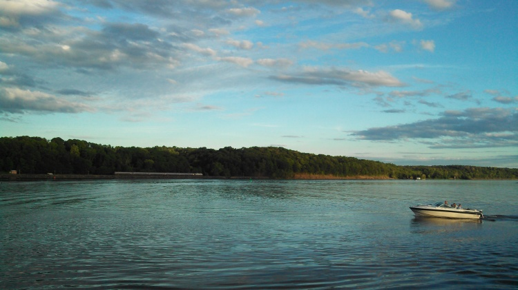 boating on the hudson